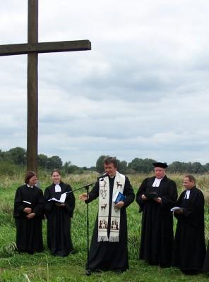 Pfarrer Andreas Althausen ganz rechts