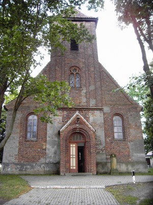 Eingang Kirche Jacobsdorf