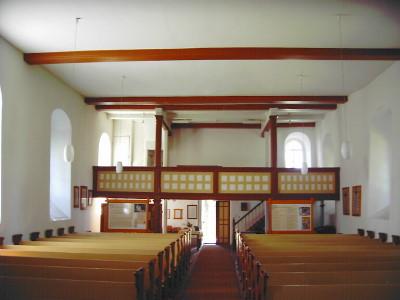 Blick zum Eingang vom Altar aus