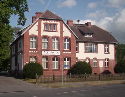 Schule Briesen, heute Ärztehaus